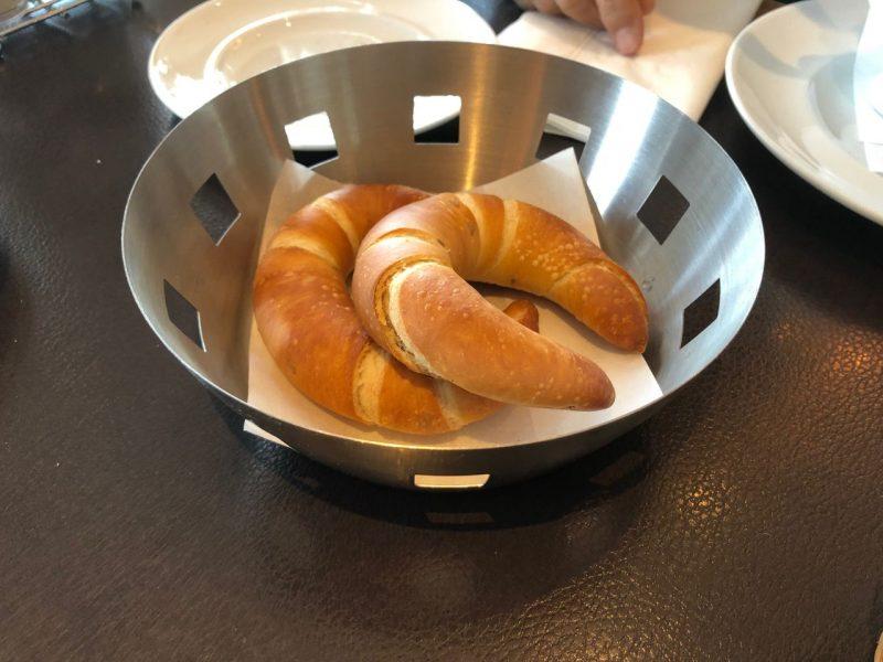 三日月型のパン