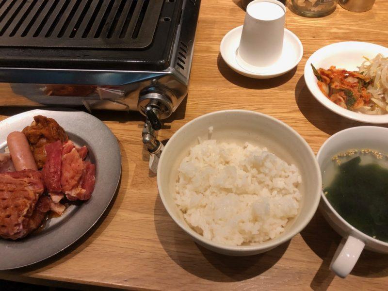 焼肉ランチ、ごはん、キムチ、スープ