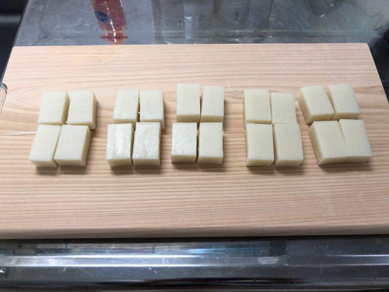四等分のサトウの切り餅